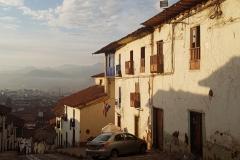 Première vue de Cusco depuis la rue de notre hôtel