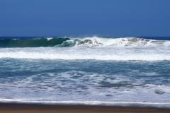 Les vagues de la plage Jihuay