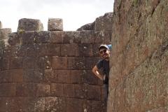 Cache-cache dans les ruines
