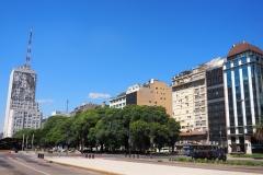Avenue caractéristique de Buenos Aires