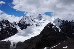 Le massif du Condoriri en face