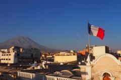 Alliance française et le volcan Misti à Arequipa