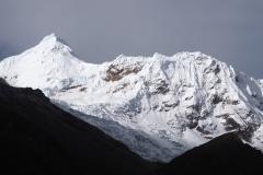 Le magnifique pic de Tocllaraju vu depuis le refuge