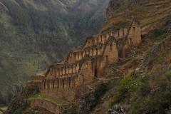 Les anciens greniers Inca à Ollantaytambo